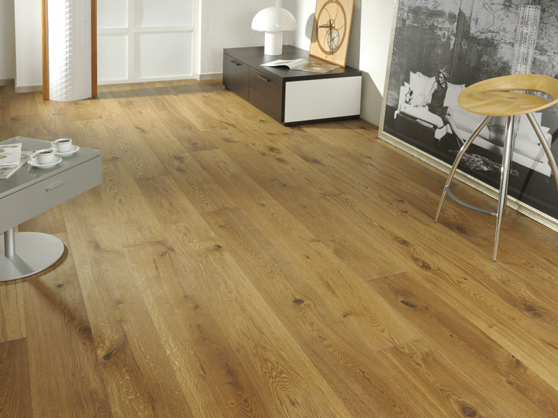 choosing the right hardwood floor color