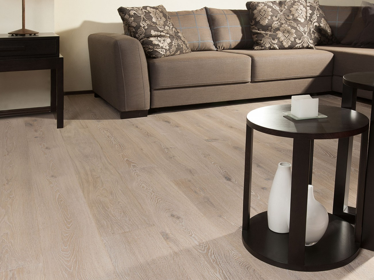 Modern Living Rooms With Real Hardwood Floors Coswickcom - Modern hardwood floors