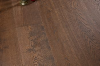 Coswick_Wide Plank_Oak_Milk Chocolate_05-web